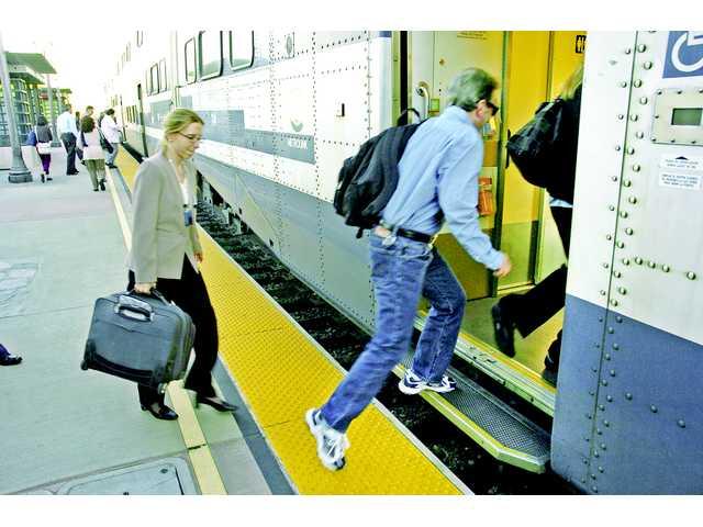 Metrolink encourages Santa Clarita to 'avoid traffic' with public transportation