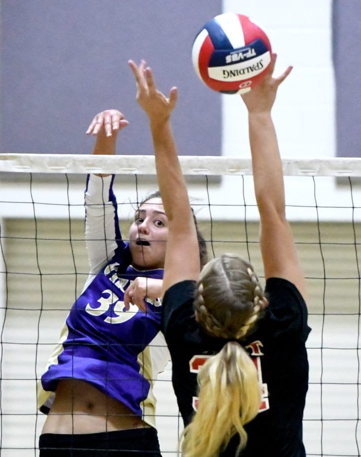 0916_Ht_Val_Volleyball