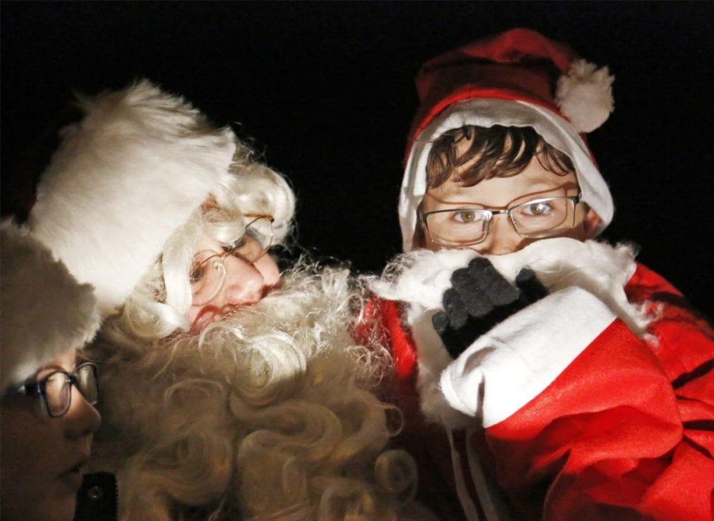 1206_news_santa-float_kl_004-copy