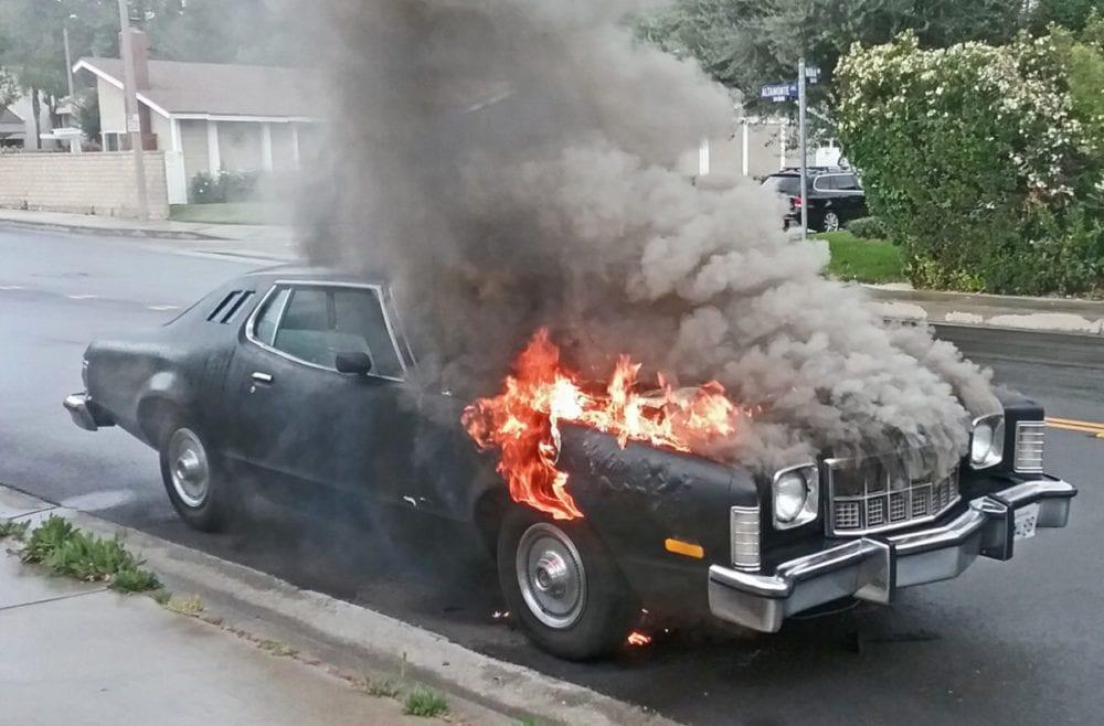 Valencia Car Fire Knocked Down In 30 Minutes Santa Clarita