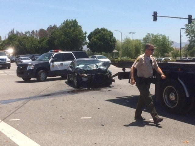 Two Car Crash In Valencia Rattles Occupants Santa Clarita Valley