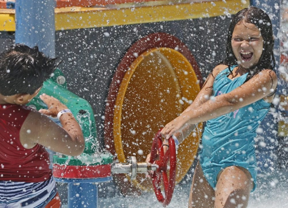 0708_news_heat_Pool_KL_08 copy
