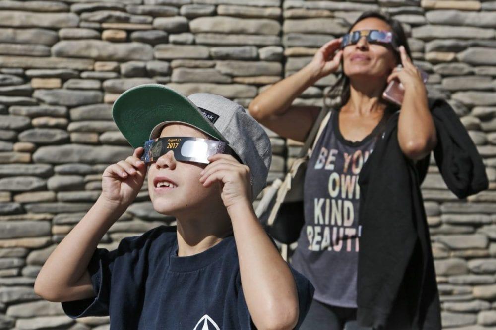 0822_news_eclipse_KL_001 copy