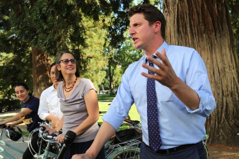 Legislators ride around Capitol in support of bike share program