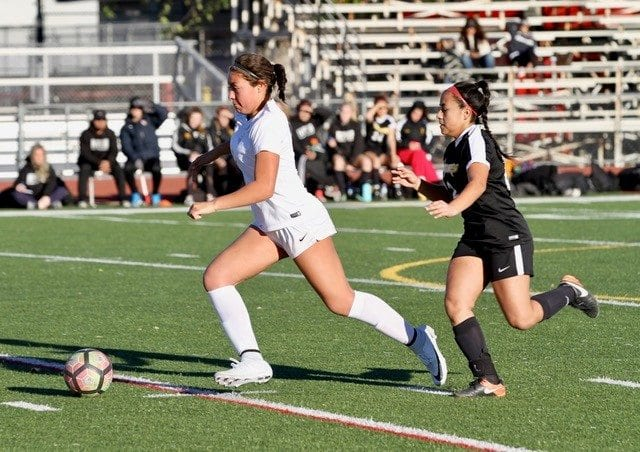 Hart girls soccer thrives against Newbury Park in first home game of the season