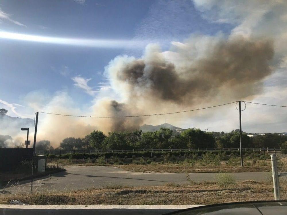 Commerce Fire burns near Highway 126 near Castaic Industrial Center