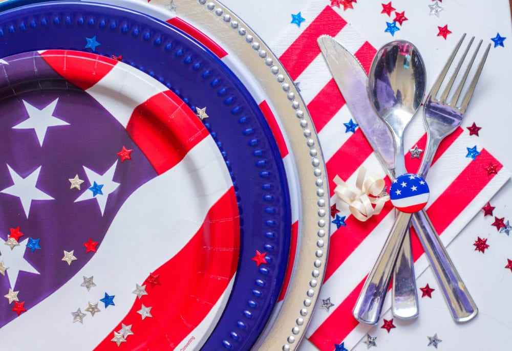 MC_4thJuly_Picnic_Placesetting