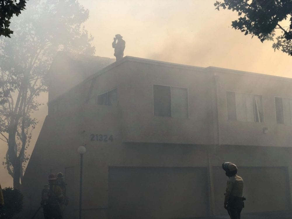 UPDATE: Brush fire strikes 3 Newhall apartment buildings