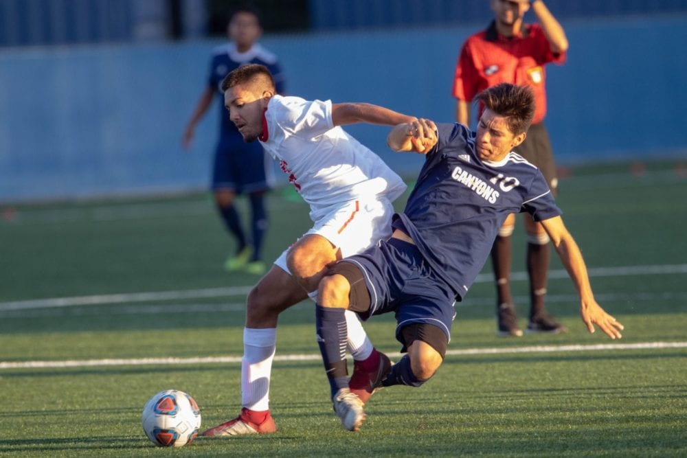 092518_sports_coc_soccer_versus_santa_barbara_EM-1