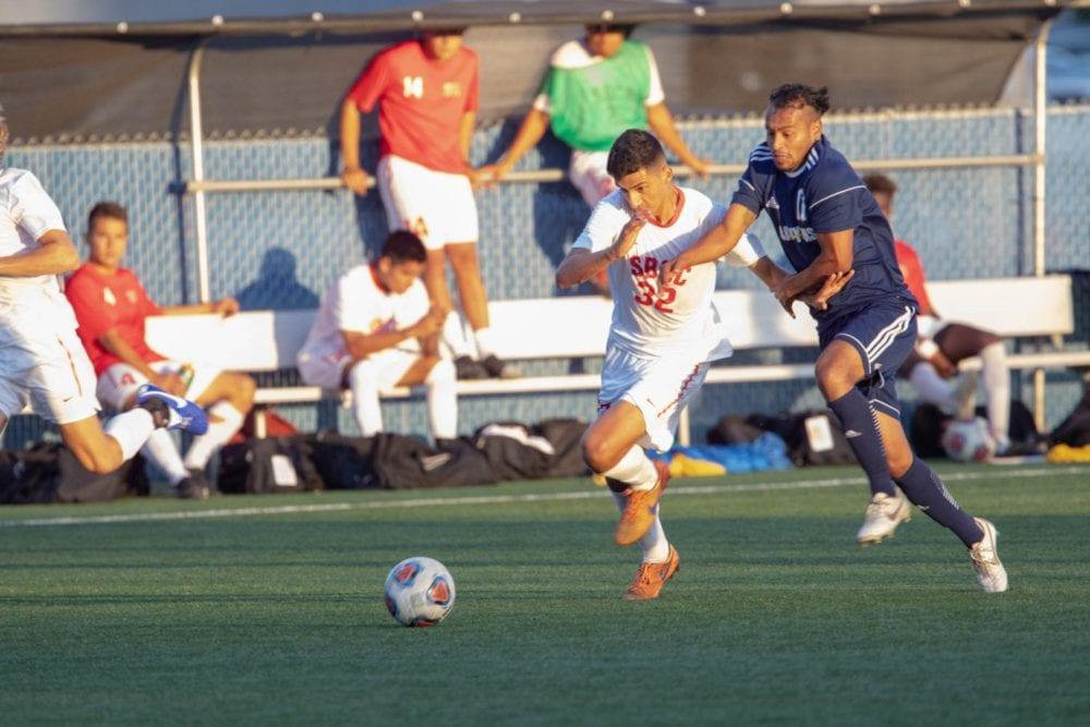 092518_sports_coc_soccer_versus_santa_barbara_EM-2