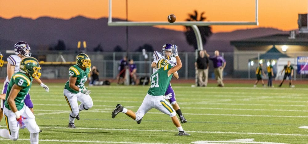 092818_sports_CanyonVValencia_FB_CR8