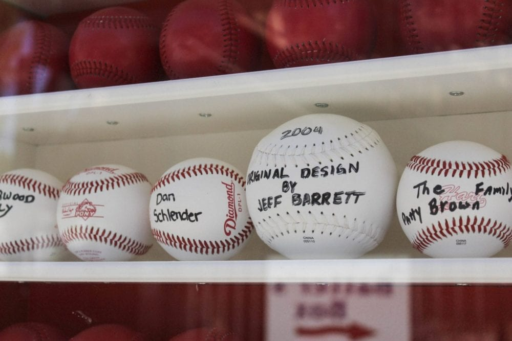 1001_sports_baseball_flag_HS_06