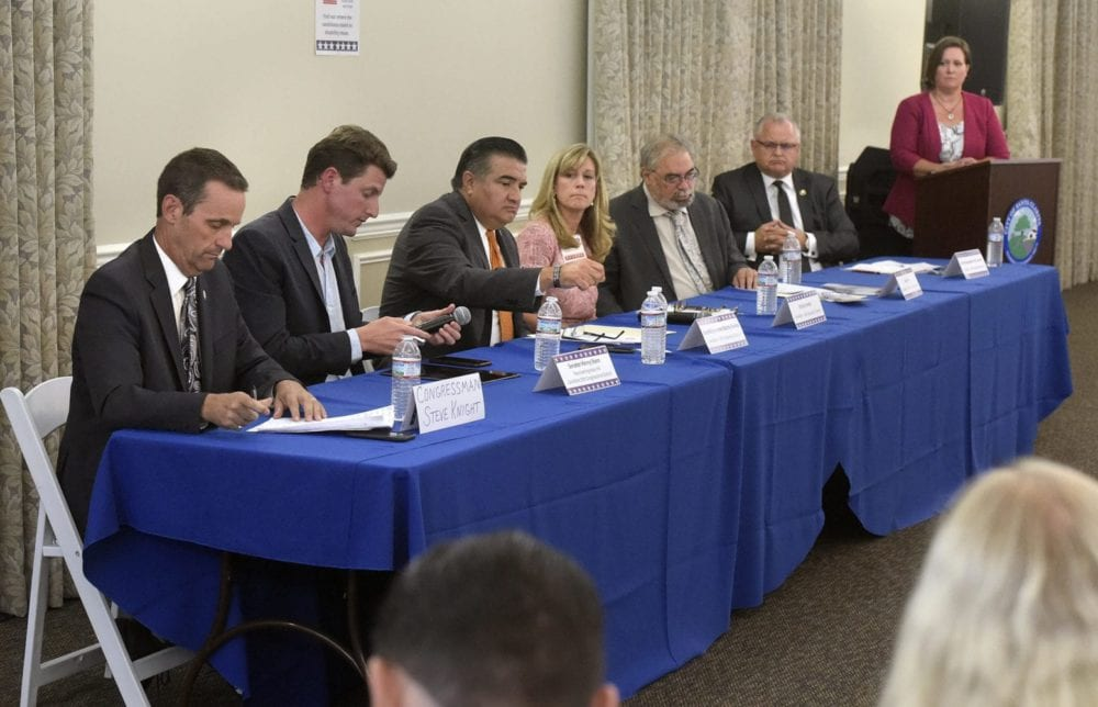 101118_NEWS_Candidates_Forum_DW_01Z
