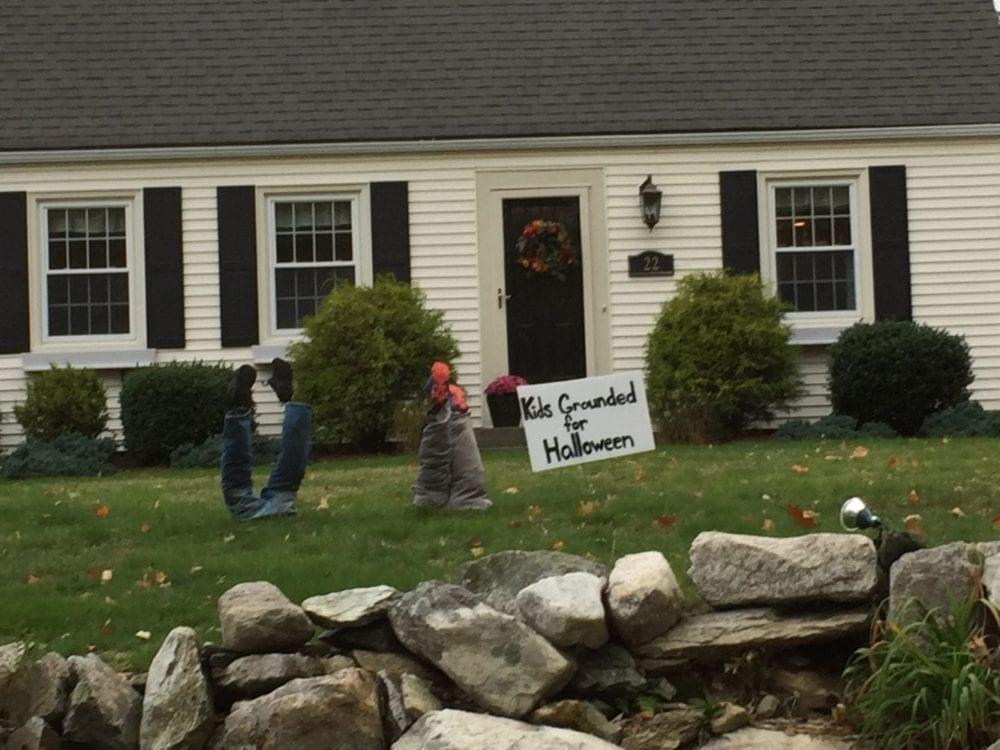 101418_Gardening_Gates Column_halloween front