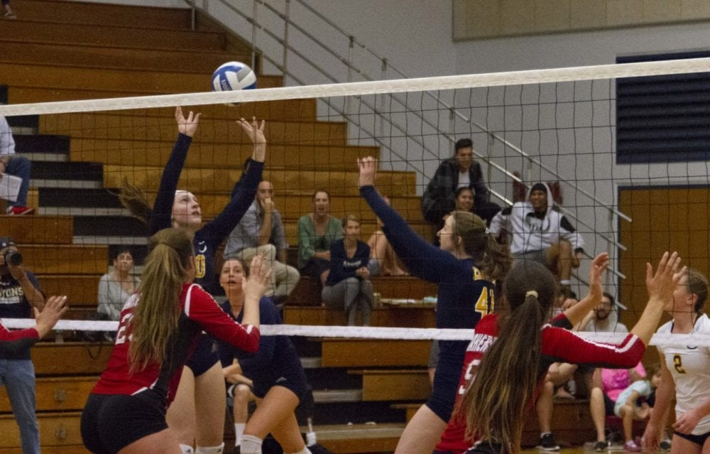 1017_sports_volleyball_coc_bakersfield_HS_04