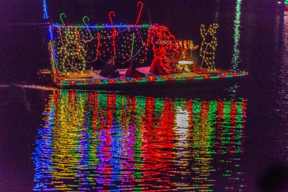 120118_news_BoatParade_CR1
