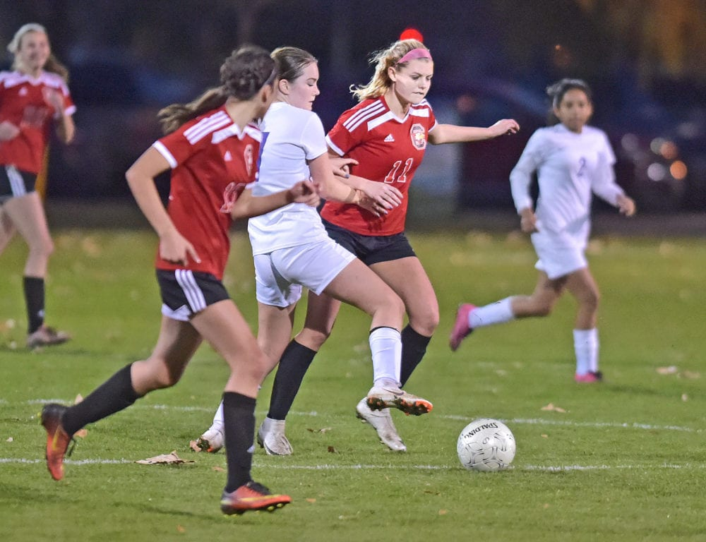 SCCS girls soccer battle to draw against Vasquez
