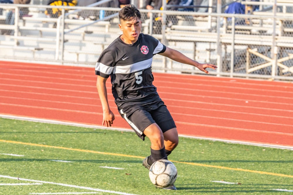 Hart boys soccer beats West Ranch to continue momentum in league play