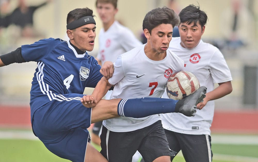 Ochoa records hat trick as Hart boys soccer shuts out West Ranch