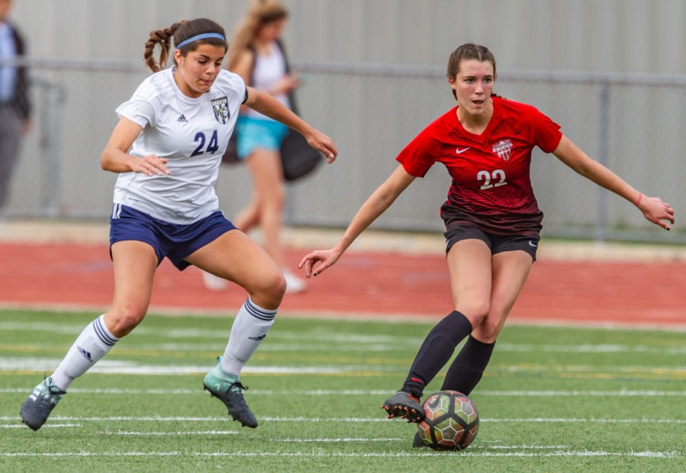 Hart girls soccer continues undefeated league season with win over West Ranch