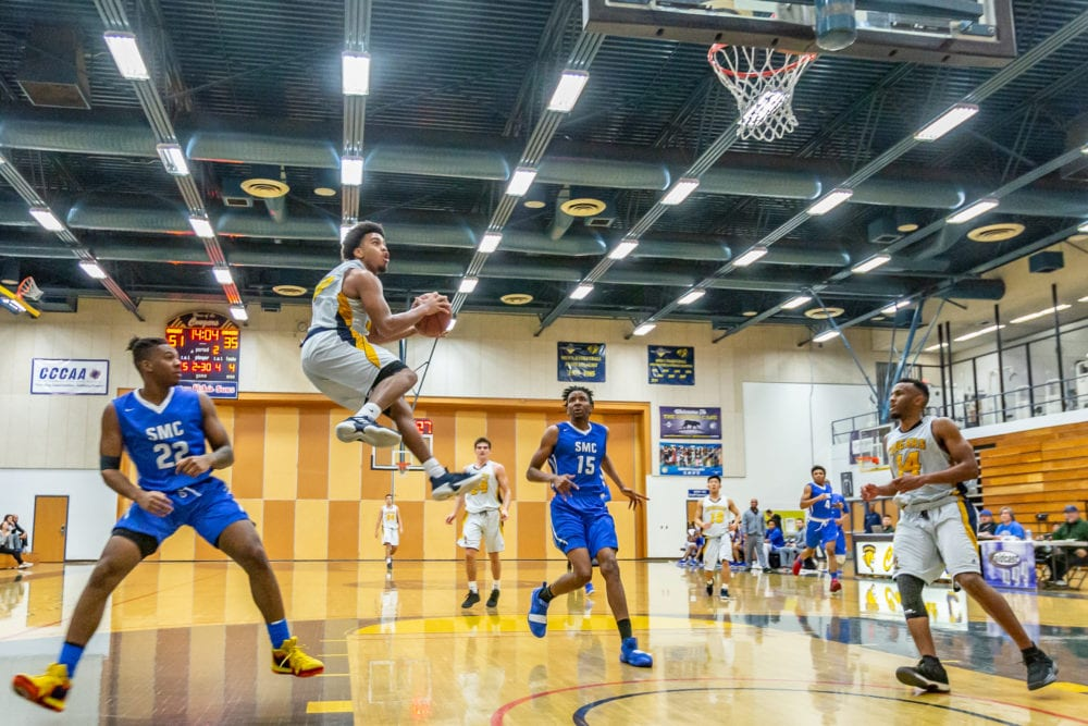 Canyons men's basketball perseveres against Santa Monica