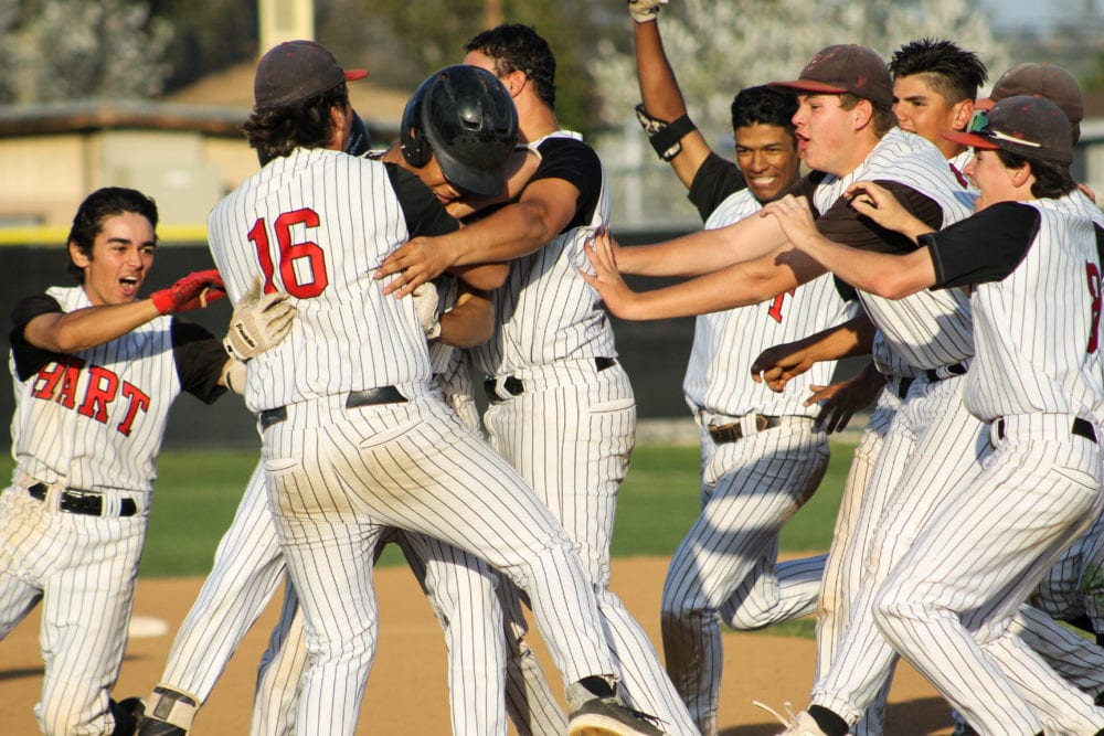 Late hit gives Hart win over Canyon