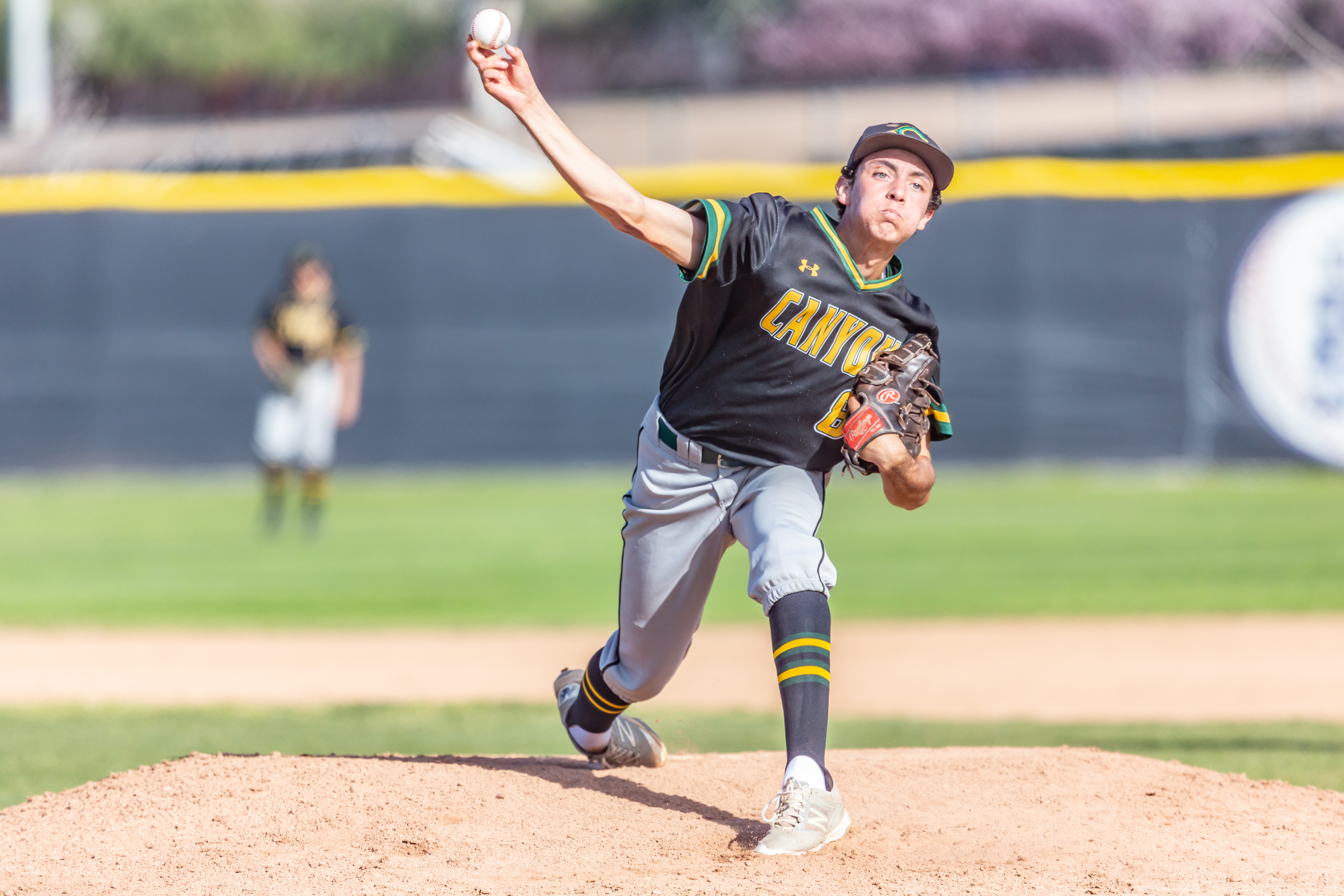 Strong pitching, clutch hitting powers Canyon past Saugus