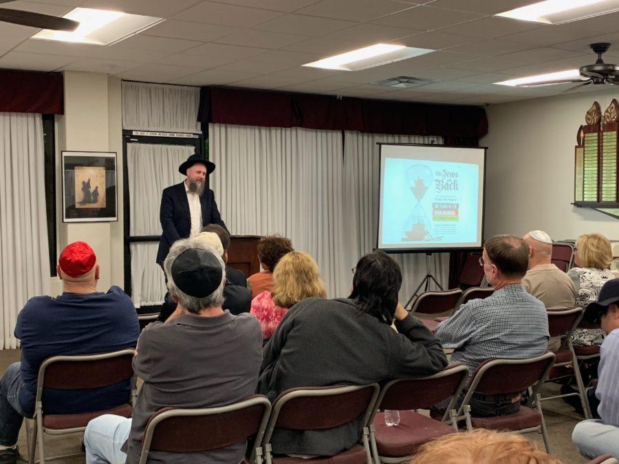 Rabbi visits Santa Clarita to discuss anti-Semitism