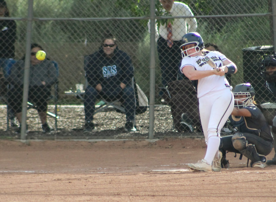 West Ranch softball ends Saugus' league winning streak in dramatic fashion