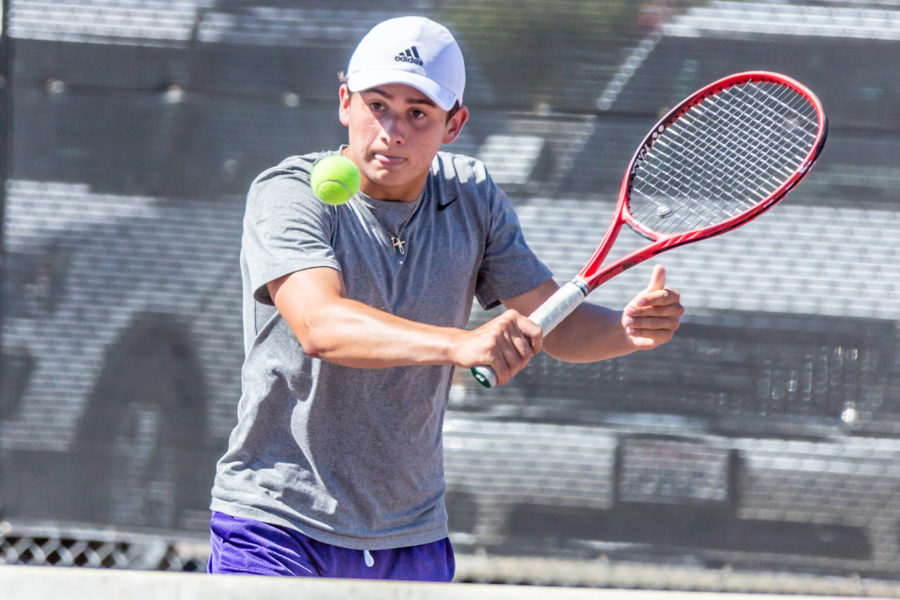 Valencia boys tennis finish undefeated Foothill League season with win at Golden Valley