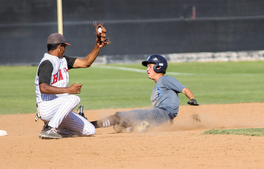 Saugus baseball keeps Hart at bay for second league win in a row