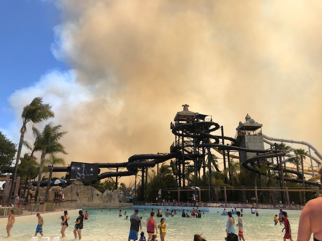 UPDATE: Sky Fire now at 20% contained, Six Flags closed until Monday thumbnail