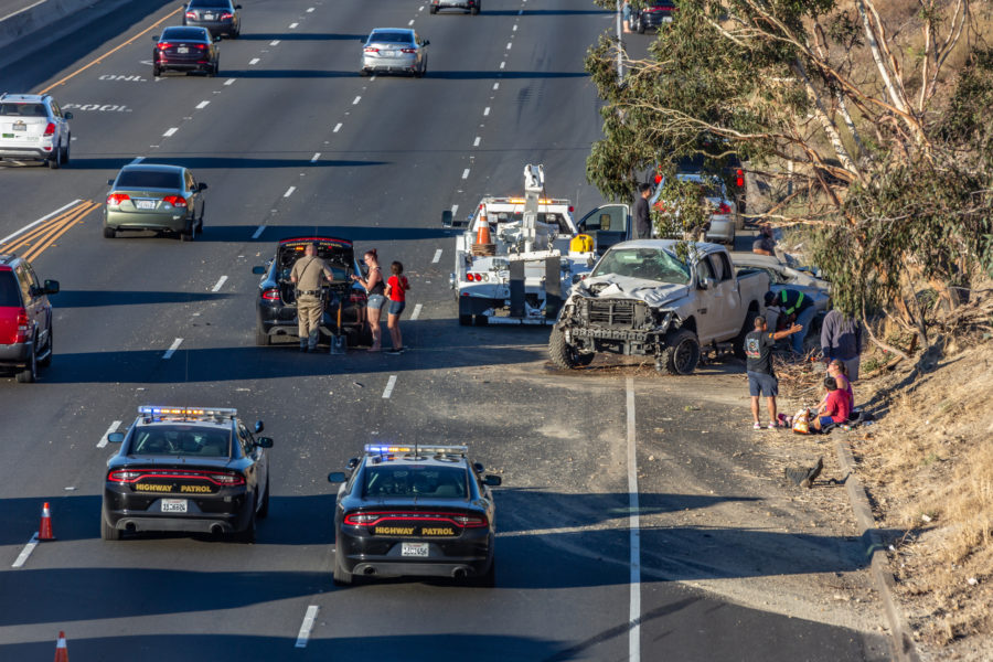 Four-car crash stops traffic on Highway 14 – Santa Clarita