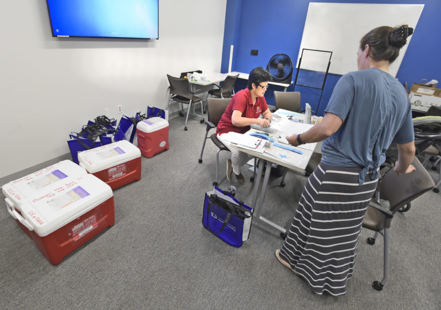 Local mothers help others during donor drive