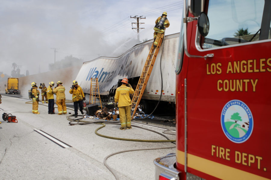 Truck fire shuts down all lanes on northbound 5 Freeway