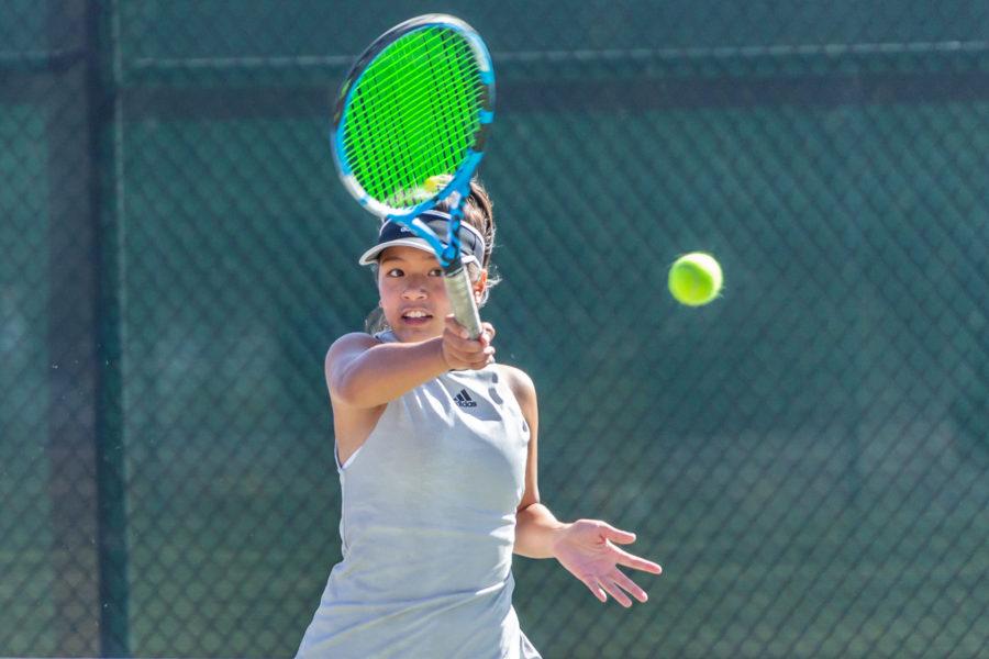 Golden Valley girls tennis defeats Canyon for first league win