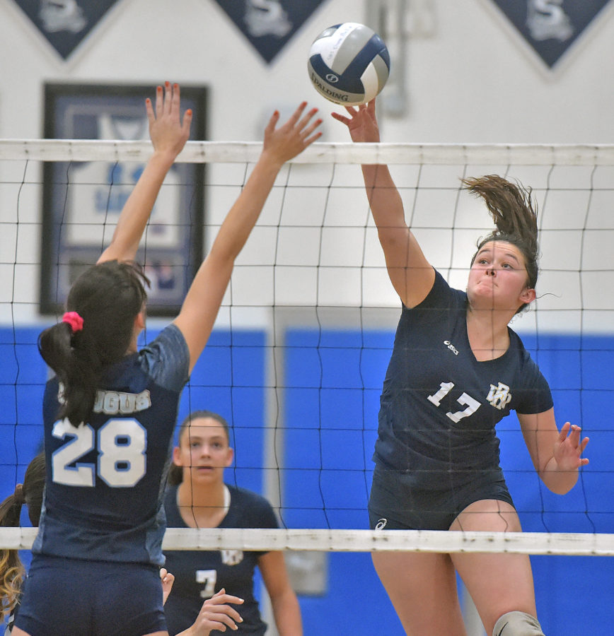 Wildcats girls volleyball hold off Centurions in four games