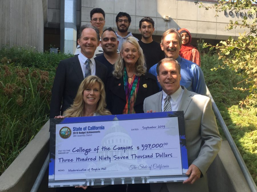 College of the Canyons receives almost $400,000 for science building renovations