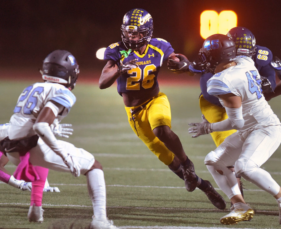 Canyons football turns it on in second half against Moorpark