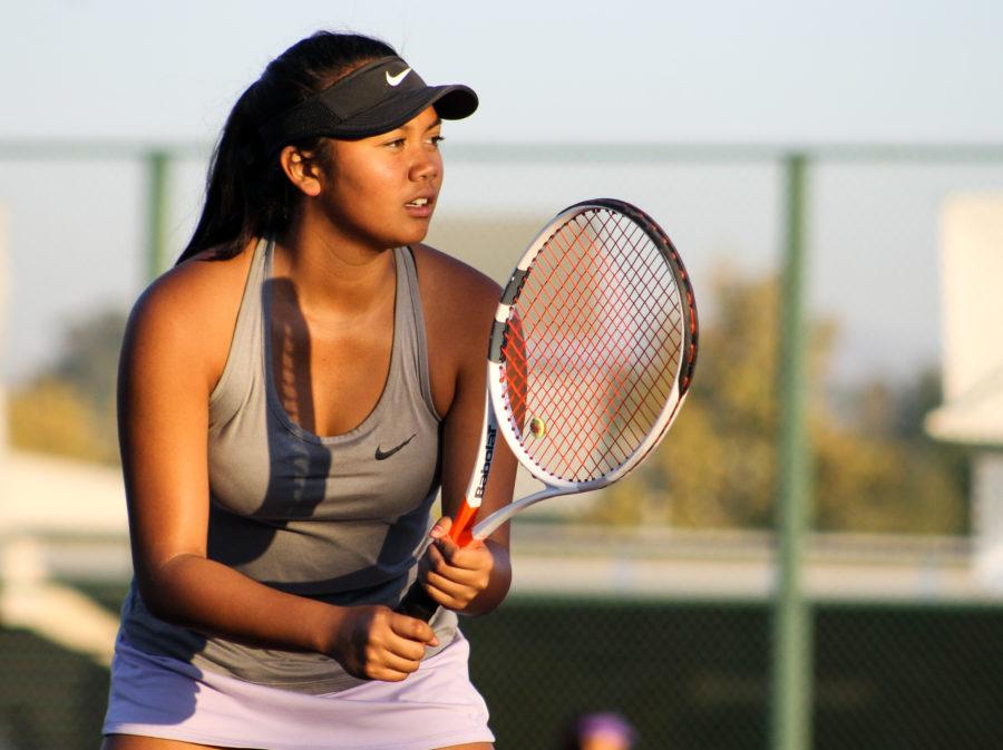 Valencia girls tennis beats Thacher to advance to 2nd round