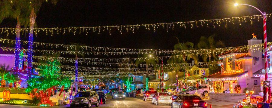 Santa Clarita Christmas Tree Lighting 2020 Holiday lights to see in Santa Clarita