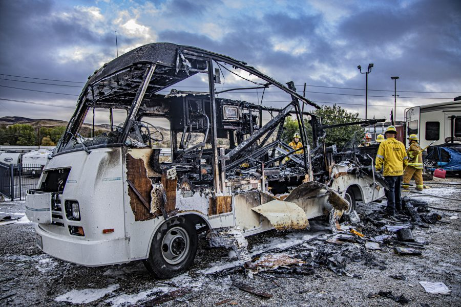Motor home fire in Castaic sparks immediate response