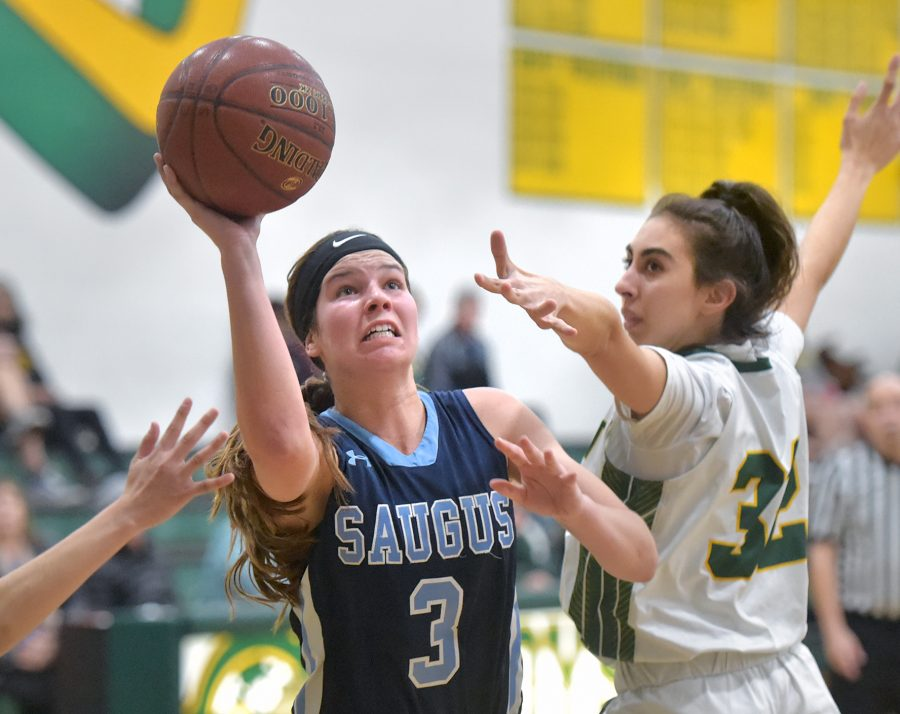 Saugus girls hoops stays perfect in league