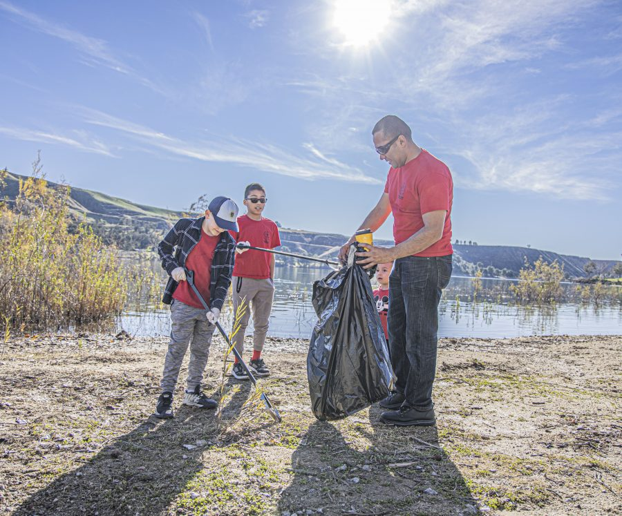 Community cleans up Castaic Lake