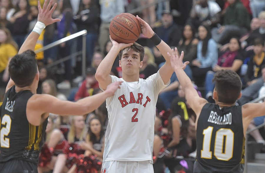 Hart boys basketball shrugs off slow start against Canyon, sweeps series