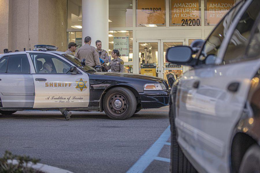 Deputies investigate stabbing near Valencia shopping center
