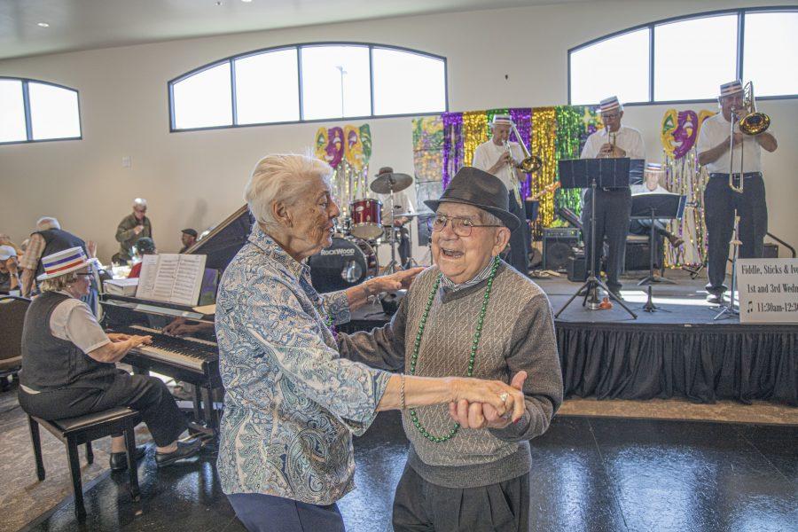 Seniors celebrate Mardi Gras