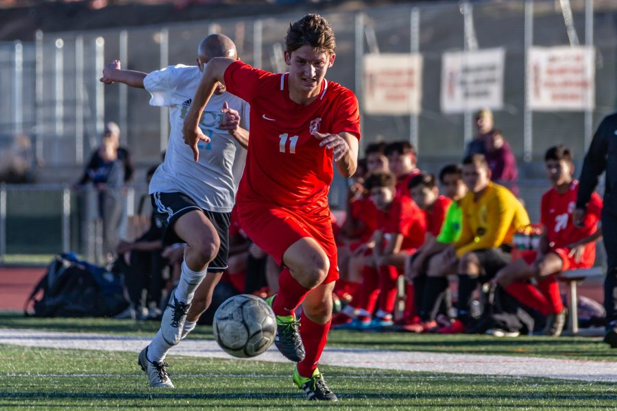 Hart's boys soccer's Nicholas Woll earns All-Foothill League Player of the Year