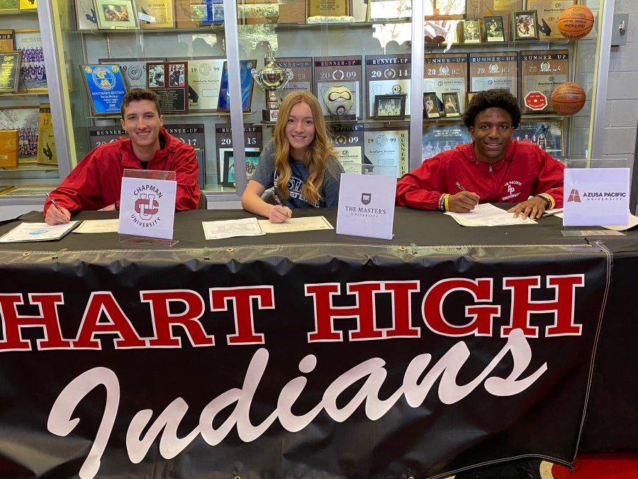 Canyon and Hart hold signing day ceremonies