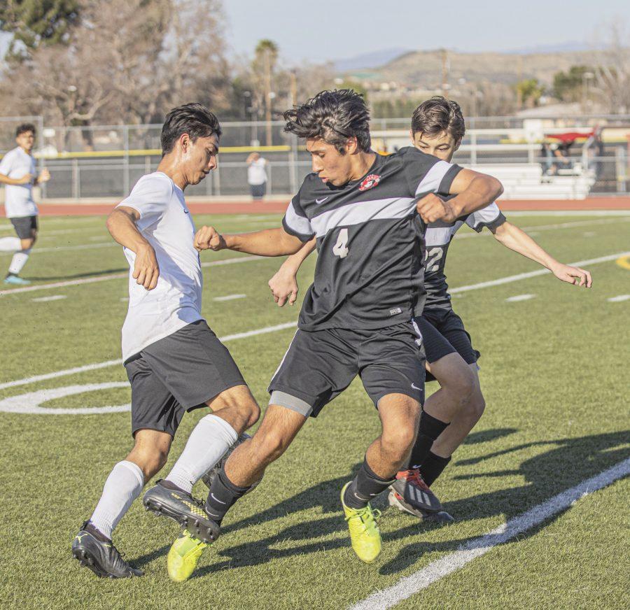 Hart boys soccer ends season in playoffs
